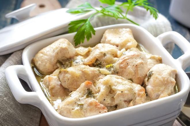 kremali-mantarli-tavuk-yapimi-1